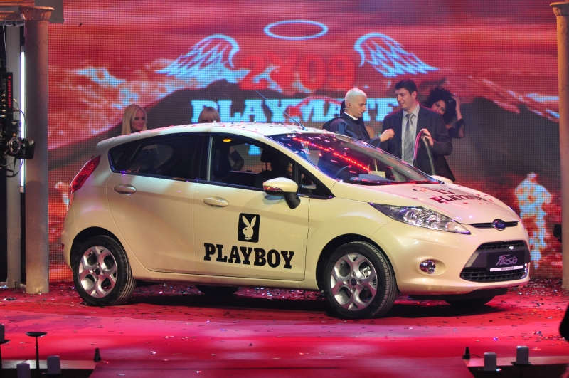 play mate 2009 and her big prise new ford fiesta. Black Bedroom Furniture Sets. Home Design Ideas