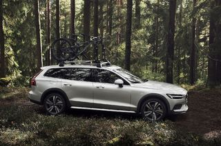 New Volvo V60 Cross Country takes the Swedish family estate off the beaten path