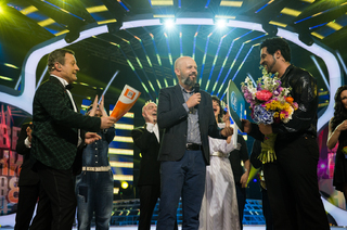 "The new FORD PUMA ECOBOOST HYBRID is the big prize for Fiki as a winner in the 8th season of the show ""Your face sounds familiar"""