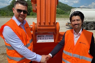 15 new machines financed by Moto-Pfohe Leasing joined the construction of highways